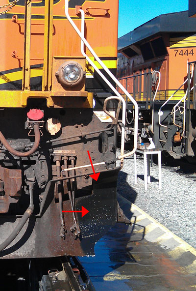 train-degreasing-bnsf-usa